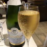 152042008 - 実は二杯目 シャンパンもどき