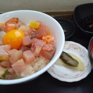 メフレ市場食堂 - 料理写真:小鉢はひじきをチョイス!