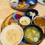 Casa Oka - 定食にすると ご飯 スープが付きます