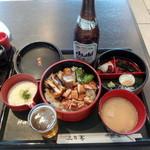神田川 - きじトロ御飯1,000円tpビール中瓶560円