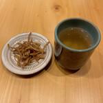 そばのみ やなせ - 蕎麦カリカリと蕎麦茶