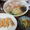 おおもり - 料理写真:チャーシューメン、餃子