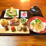 神楽坂 おいしんぼ - 湯葉餡かけご飯を季節の八寸料理とご一緒に神楽坂ランチで