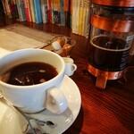 ワールドブックカフェ - ケニア(¥600)。 今まで飲んだコーヒーの中で一番酸味が強かったです。