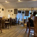 森カフェ - 素敵なお店の雰囲気、、テラス席もありますよ!