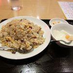 杜記 海鮮火鍋菜館 - チャーシュ炒飯+ワンタンスープ