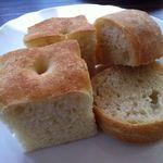 アル チェッポ - 自家製パン