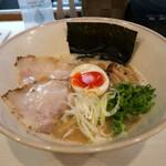 鶏と魚介らぁ麺komugi - komugiラーメン