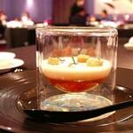 LA TABLE de Joel Robuchon - 【コース】 スープ:新玉葱の冷製ヴルーテ