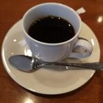 シャン・ドゥ・ソレイユ - コーヒーと茶菓子