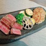 ステーキ & ビストロ 小春日和 - 料理写真:小形牧場産黒毛和牛赤身ステーキと粗びきハンバーグ