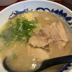 元祖糸島ラーメン 銅鑼 - 料理写真: