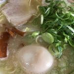 152124086 - 中華そば(並)煮卵入