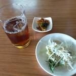 西安刀削麺 - 料理写真:サラダ、前菜、ドリンクは自分で取ります