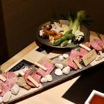飛騨牛一頭家 馬喰一代 名古屋WEST - 特選飛騨牛大盛り+焼野菜盛り(3人分)