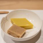 うを徳 - 2021.5 マナガツオと蓴菜の煮凝り、ゴールドラッシュと吉野葛の玉蜀黍豆腐