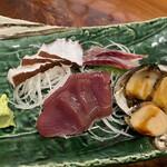 下町丸竹都寿司 - 刺し盛り 地だこ、いさき、かつお、とこぶし