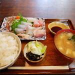 お食事処 かず - 刺身定食ご飯大盛¥1400