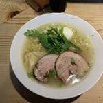 152174965 - 本丸塩らー麺¥850 味玉サービス
