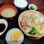 侍屋敷大松沢家 - 料理写真:鶏肉のオーブン焼き