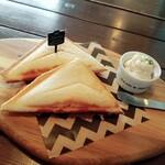 zakka+cafe KICHI. - ハムとチーズのホットサンド