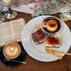 リトル ビレッジ カフェ - 料理写真:カスタードプリン、 アメリカンチェリーのチョコスコーンサンド、 アメリカンチェリーのカスタードチーズケーキ