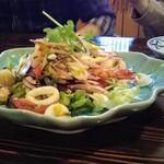サイアム - ヤムタレ【シーフードのスパイシーサラダ】1,090円