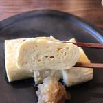日本酒バル のまえ - 半分おまかせ3850円。出汁巻き玉子。しっかりと巻いてあるように見えますが、纏まるギリギリまでお出汁を入れたふわふわの出汁巻きです。熱々を頬張ると幸せな味わいが広がります(╹◡╹)(╹◡╹)