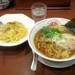 ラーチャン専門 我武者羅 - ラーチャンセット(淡麗煮干+半チャーハン)850円