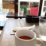 エル・アローニャ - ランチのスープ、ガスパチョ
