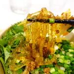 辣上帝 - スープがよく絡む極太春雨麺
