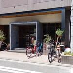 152228266 - 烏丸御池駅からほど近いビルの1階