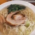 Shinjukumenyafuuka - チャーシューは食べ応えがあって美味しいです!