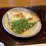 152245085 - 花山椒&フルーツトマト&カチョカバロ(岡山県吉田牧場)のピッツァ
