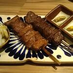 博多たんか - 牛タン焼(左)と牛サガリ焼(右)これで3,146円は高いよね〜(汗)