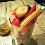 アインソフ ジャーニー - 高原野菜のサラダパフェ 2種のディップ&ハーブソルトを添えて