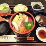 乃婦寿司 - 料理写真:ちらし寿司ランチ 1,100円