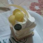 新宿高野 - メロンショートケーキ