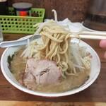 ラーメン二郎 - 小の麺少なめ