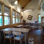 ARCH SHORENJI - 【店内の雰囲気】 ナチュラルな空間で落ち着いて食べられます。