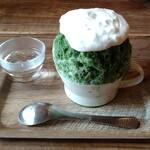 ARCH SHORENJI - 【抹茶とレモン氷:1100円】 抹茶と柑橘って合うんですね〜(。•̀ᴗ-)✧ 中の濃厚ピスタチオクリームも含めて組み合わせが秀逸。