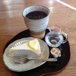 夢市茶屋 - 手作りケーキセット 600円。器も良いし、ゆっくり休憩できました。