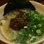 博多ラーメン 田中 - 「辛子高菜ラーメン」葱3倍トッピング