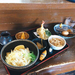 國安うどん - 料理写真:平日限定 昼定食 700円