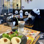 ストーリー ストーリー - パンダを見ながらパンダを食べます