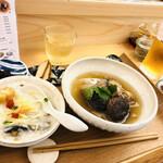 叙序圓 - ピータン粥とバクテーセット、更にちまきも追加… あっ…朝っぱらからビールモイタダキマシタ… (2019年訪問時の写真です。)