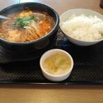 カルビ丼とスン豆腐専門店 韓丼  - 坦々スン豆腐定食