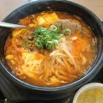 カルビ丼とスン豆腐専門店 韓丼  - 坦々スン豆腐