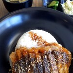 シュガー&スパイス - 粗挽きペッパートンテキ丼¥1280