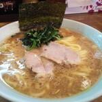 たま家 - 料理写真:朝ラー600円税込(中盛)
